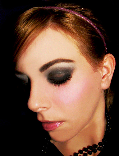 glamourous Smokey eyes